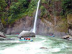 Pacuare River Whitewater Rafting trip